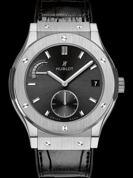 hublot-classic-fusion-power-reserve-titanium